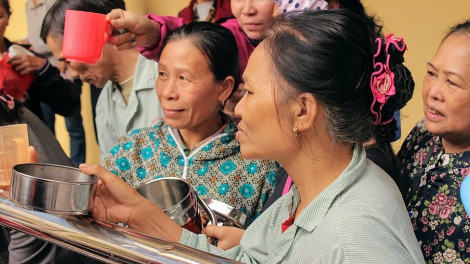 Nồi cháo yêu thương - Ban Bác Ái SVCG TGP Hà Nội