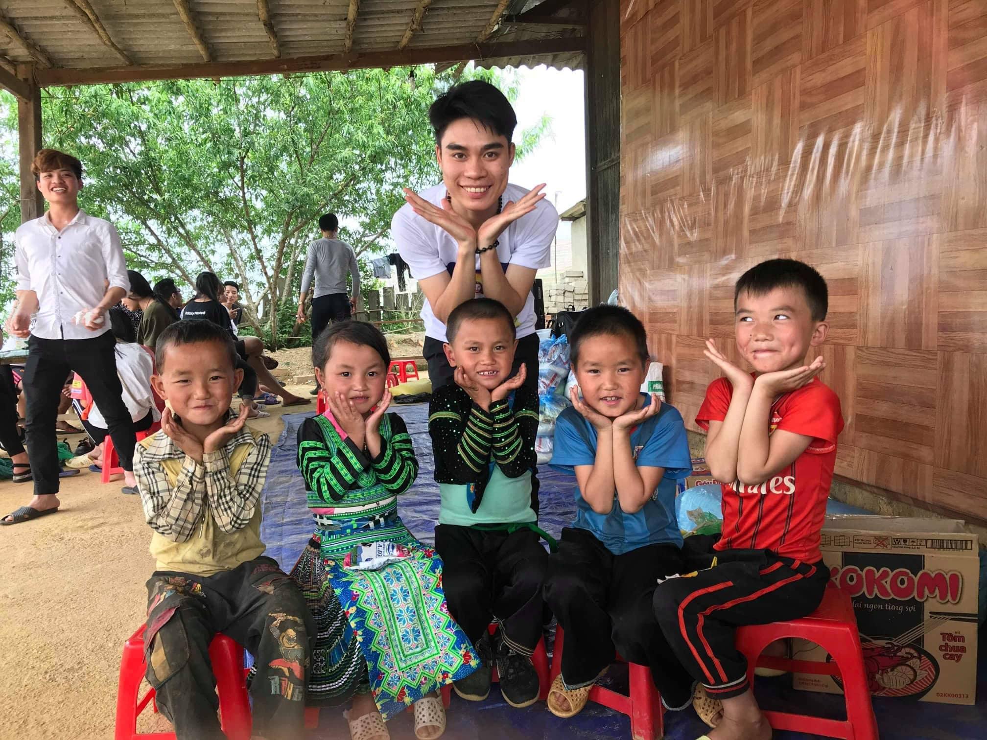 Thiện nguyện 2018 của Nhóm SVCG Hà Thành #4: Nụ cười nơi Tà Ghênh