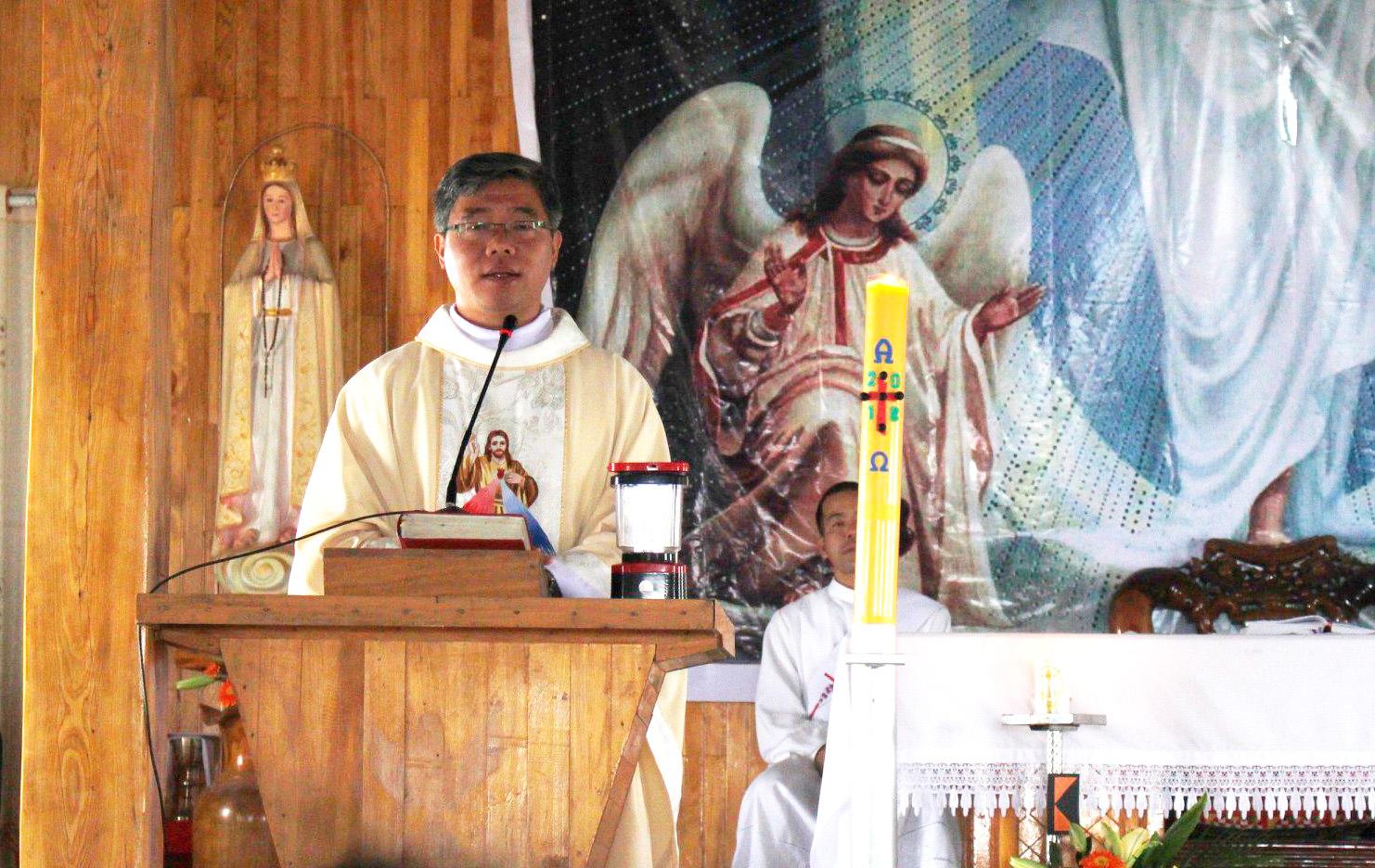 Men Phục Sinh 2018 - Magis Công Nghiệp: Thánh lễ
